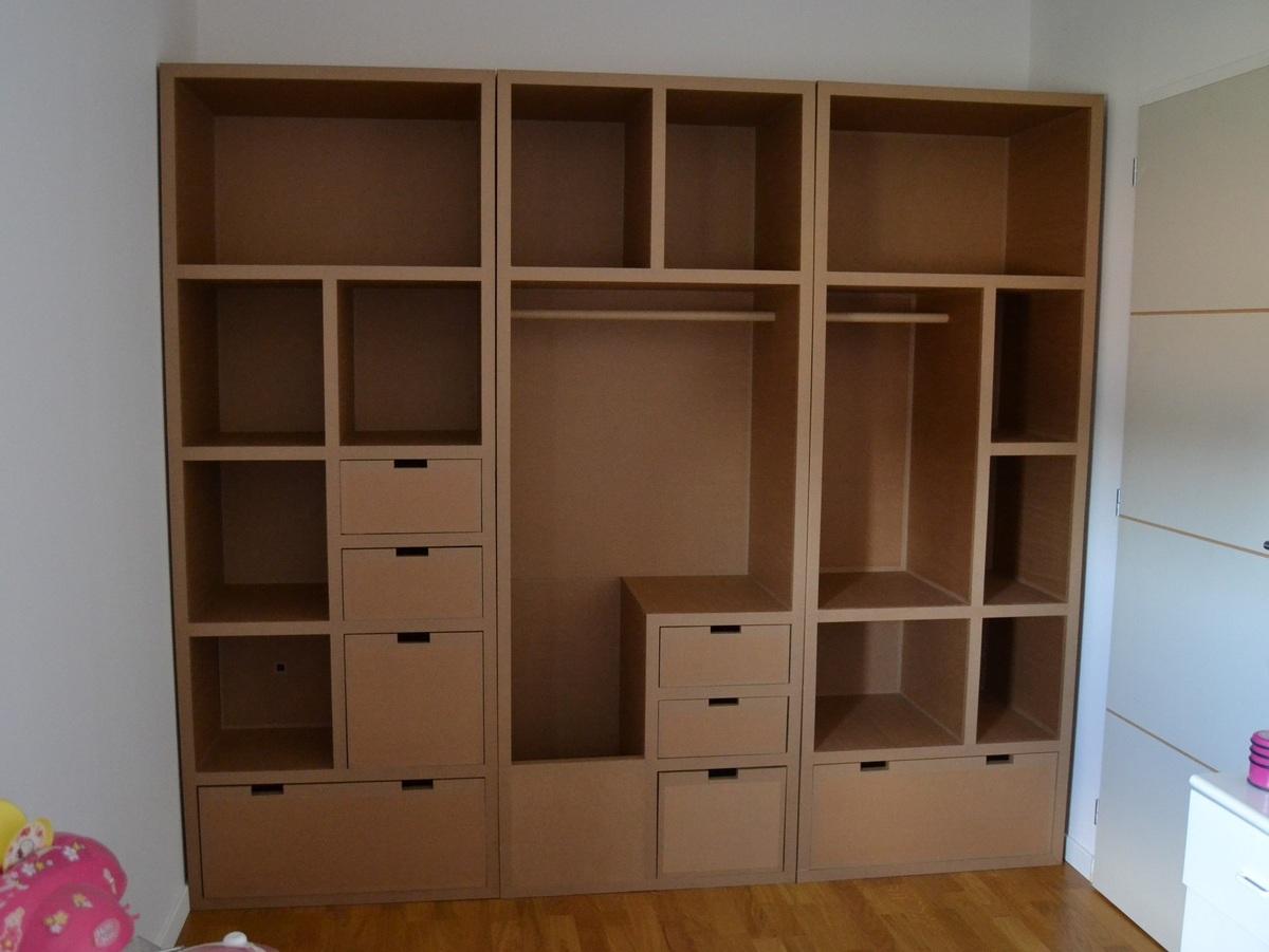 rangement sur mesure une solution pour les espaces atypiques. Black Bedroom Furniture Sets. Home Design Ideas